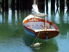 The Paine 14 – A Herreshoff – inspired daysailor – Chuck Paine Yacht Design LLC Spirit Yachts, Wooden Sailboat, Sailing Dinghy, Small Sailboats, Wooden Boat Building, Classic Yachts, Naval, Wood Boats, Sail Boats