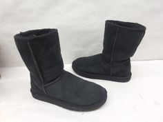 UGG Australia Womens Black 5825 Original Classic Short Suede Snow Boots Size 7 #UGGAustralia #SnowWinterBoots #Casual