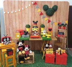 Decoração Turma do Mickey (locação SP) Convites e Festas! Disney World Birthday, Minnie Birthday, Unicorn Birthday, 3rd Birthday, Fiesta Mickey Mouse, Mickey Mouse Parties, Mickey Party, Minnie Mouse, Mickey Mouse Decorations