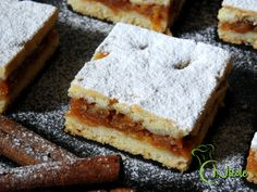 PLACINTA FRAGEDA CU MERE DUPA RETETA BUNICII Romanian Desserts, Feta, Banana Bread, Deserts, Cheese, Dishes, Fruit, Cooking, Cake