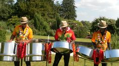 7 unusual acts to entertain your wedding guests in 2015