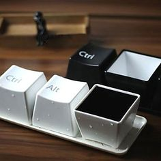 Keyboard Button Style Cups Set (Set of 3, Assorted Colors) – EUR € 10.47
