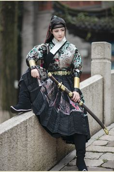 Female Armor, Female Samurai, Asian Photography, Poses References, Period Outfit, Chinese Clothing, Hanfu, Historical Clothing, Mode Inspiration