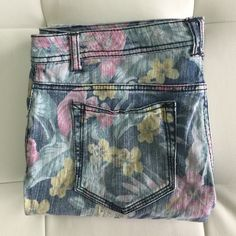 MOSSIMO Floral Skinny Jeans Perfect for a pop of color! Mossimo Supply Co. Jeans Skinny