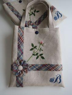 リボンとバラの刺繍のミニバッグ 2x
