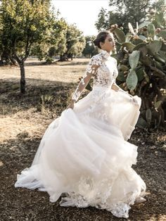 Elven Wedding Dress, Princess Wedding Dresses, Dream Wedding Dresses, Savage Love, Dream Dress, Dress Collection, Beautiful Outfits, Bridal Gowns, Designer Dresses