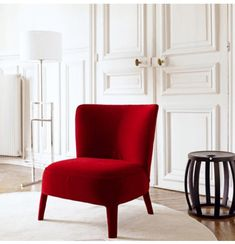 61 Ideas For Living Room Red Chair Bedrooms Living Room Upholstery, Living Room Chairs, Living Room Furniture, Living Room Decor, Space Furniture, Dining Chairs, Velvet Bedroom, Bedroom Red, Bedroom Chair