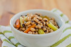 Many believe that eating black-eyed peas on New Year's Day will bring prosperity in the new year. We believe that, no matter when you eat them, they're just simply delicious when cooked with the Anova Sous Vide Precision Cooker. Sous Vide Vegetables, Sous Vide Cooking, Black Eyed Peas, Cooker, Bacon, Jewels, Eat, Recipes, Food