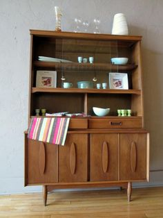This Beautiful Mid Century Hutch Is In Great Condition So Weve Brought It