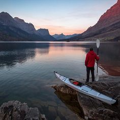 Exploring #GlacierNationalpark's 2nd largest lake. 📷 @scott kranz #theoutbound @orukayak | Press the link in our bio to learn more 👉