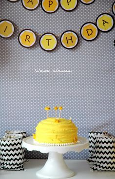 Wiener Wohnsinn: Sweet Bumble Bee Birthday Party