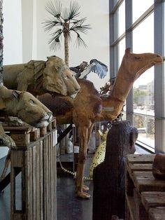 Outsider Finnish artist Alpo Koivumäki Outsider Art, I Fall, Folk Art, The Outsiders, Lion Sculpture, Artsy, Statue, Popular Art, Sculptures