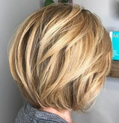 Short Haircut With Angled Layers Short Hair With Layers, Layered Hair, Short Haircut, Short Hairstyles, Color Me Beautiful, Love Hair, Blonde Highlights, Hairdos, Bobs