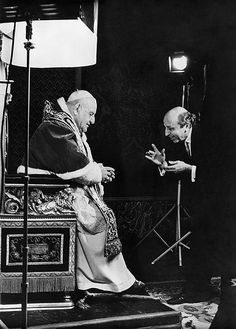 """Pope John XXIII I love the fact that once he got """"lost"""" and they found him comforting people in jail. Catholic Art, Catholic Saints, Roman Catholic, Pope John, Pope Francis, Famous Photographers, Portrait Photographers, Fine Art Photography, Amazing Photography"""