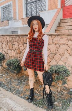 Spring Outfits For Teen Girls, Outfits For Teens, Rock Outfits, Girl Outfits, Fashion Outfits, Pretty Outfits, Beautiful Outfits, Vogue Poses, Outfit Vestidos