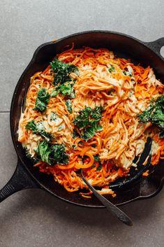 Garlicky Sweet Potato Noodle Pasta All Minimalist Baker Recipes Spiralizer Recipes, Pasta Recipes, Soup Recipes, Recipies, Baker Recipes, Cooking Recipes, Easy Cooking, Sweet Potato Pasta, Al Dente