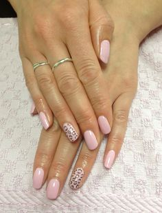 Pink Smoothie #Gelish #nails with leopard #nailart details