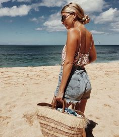 IG: @fashionsummerweek #cool #beach #wild #fashion #blonde #fabulous #style #photography #de #summer #girl #L4L #outdoor #F4F