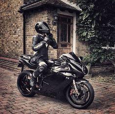 Elinin hamuru ile erkek işine karışma diyenlere inat.  Bayan sürücü var mı aramızda ?  #route45 #rota45 #instagood #instalike #picoftheday #likeforlike #like4like #vsco #vscocam #ducati #bmw #kawasaki #honda #suzuki #yamaha #ktm #aprilla #racing #supersport #touring #enduro #cross #caferacer #motorcycle #bikergirl #bike #iyigeceler #mvagusta #black #goodnight