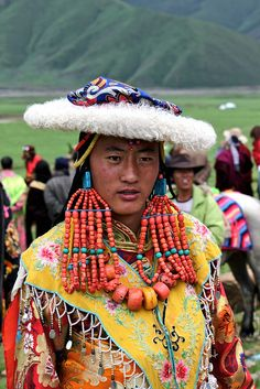 Tibet. The unique style of costume and jewellery worn in the Golok region, Amdo. |  © Adela Stoulilova