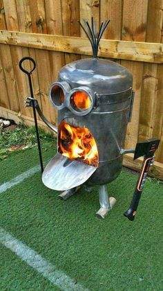 minions Amazing Metal Fire Pit Designs - House Decorations Parsley: A Cook's Best Friend Article Bod Metal Fire Pit, Diy Fire Pit, Fire Pit Backyard, Fire Pits, Large Backyard, Minion Fire Pit, Minions, Funny Minion, Cheap Fire Pit