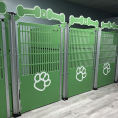 Our commercial dog kennel gates are packed with features to make your life easier! Gates include clipboard clips, kennel numbers - and can have a custom logo! Custom Dog Gates, Custom Dog Kennel, Dog Kennel Designs, Diy Dog Kennel, Dog Kennels, Puppy Kennel, Dog Boarding Kennels, Pet Boarding, Animal Boarding