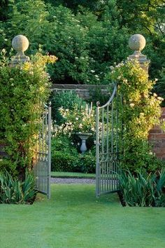 Most up-to-date Free of Charge english garden pool Ideas Gardening has been my personal favorite interest for so long as I'm able to remember. If I'd been 10 years-old. Garden Entrance, Garden Doors, Formal Gardens, Outdoor Gardens, Garden Gates And Fencing, Fence, Formal Garden Design, The Secret Garden, Secret Gardens