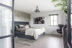 Industriële vloer novilon | Stek Magazine Bed, Furniture, Home Decor, Decoration Home, Stream Bed, Room Decor, Home Furnishings, Beds, Home Interior Design