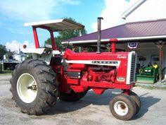 Farmall 1206 Turbo NF w/ROPS and Canopy International Tractors, International Harvester, Biggest Truck, Tractor Pictures, Farmall Tractors, Vintage Tractors, Case Ih, Big Trucks, Farm Life
