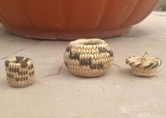 "2 Handmade Papago Mini Baskets 1/2"" Tall & 1 1/8"" Tall  AZ Pioneer Family Owned"