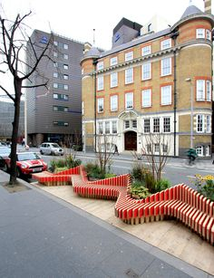 """Portable """"parklet"""" by WMB Studio adds greenery to London's streets"""