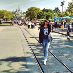 Welcome to the Disneyland #happypeople #happiness #happy #instagram #trip #tatkaphotos #view #tatkashetskophotography #today #travel #thebest #girl #inlove #la #losangeles #sun #spring #april #usa #life #love #goodday #goodmorning #trip #inlovewithhim #disneyland #goodweather by tatkaphotos