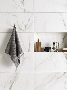 Marble tile bathroom flooring ideas 28 - Savvy Ways About Things Can Teach Us Bathroom Trends, Bathroom Interior, Modern Bathroom, Small Bathroom, Master Bathroom, Bathroom Ideas, Master Baths, Bath Ideas, Bathroom Renovations