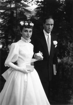 Audrey Hepburn wore two of her three wedding dresses! Cool story! #weddingdress #audreyhepburn #fashionicon