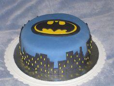 batman cake @Larissa Wangsgaard