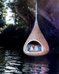 yes this belongs to my dream house!.How did he there without getting wet? still cool place..