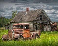 old barns paintings \ old barns . old barns rustic . old barns abandoned . old barns paintings . old barns photography . old barns restored . old barns drawings . old barns turned into homes Abandoned Farm Houses, Abandoned Cars, Abandoned Homes, Abandoned Places, Chevy Pickup Trucks, Chevy Pickups, Pickup Camper, Chevy Stepside, Dodge Trucks