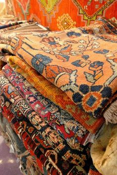 goal: find lots of old 'oriental' rugs to cover the floor and add character..