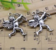 50//100pcs Retro style wolf alloy charms Pendants  13x10mm