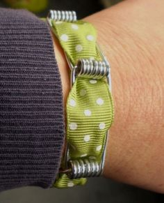Clothespin Bracelet Bracelets, Brooke Reed, Bracelets Clothespin (clothes peg) metal link bracelet/wrist wear with ribbon threaded through . Clothes Pegs, Clothes Crafts, Casual Clothes, Wire Crafts, Jewelry Crafts, Beaded Crafts, Make Your Own Bracelet, Wooden Clothespins, Wooden Pegs