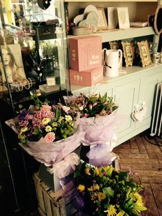Wonderful gifts and flowers for your perfect Mum. www.springfieldflorist.co.uk