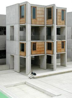 Salk Institute Love the use of concrete in this building Louis Kahn, Shadow Architecture, Education Architecture, Interior Architecture, Street House, Facade Design, To Infinity And Beyond, Brutalist, Modern Buildings