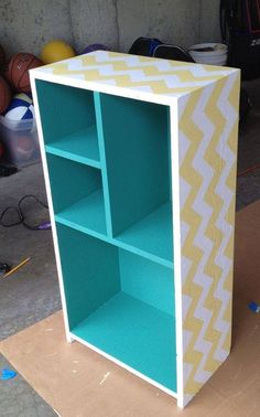 Hand built and painted bookcase in chevron (yellow, white, and teal)love the idea of two toned painted bookcase, but outside black with bright pink shelves for Emma's roomWe're going to edit lots of wooden furnature to make it match our scheme. Diy Cardboard Furniture, Cardboard Crafts, Painted Furniture, Diy Furniture, Cardboard Playhouse, Furniture Design, Pink Shelves, Trendy Bedroom, Craft Ideas