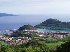 Veleggiando verso le Azzorre - via Lilly's Lifestule 17.04.2015   Mi lascio trasportare dai sogni e comincio a pianificare il mio viaggio in barca a vela verso le Azzorre. L'idea è partire da Lisbona, imbarcarci ed arrivare fino all'isola vulcanica di Faial, conosciuta come l'isola azzurra...  #azores #portogallo #portugal #viaggi #travel