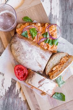 Roasted Lemon-Thyme Chicken Sandwich with Tomato-Red Pepper Pesto Chicken Sandwich Recipes, Grilled Cheese Recipes, Pork Recipes, Seafood Recipes, Asian Recipes, Mexican Food Recipes, Roast Chicken Sandwiches, Sandwiches For Lunch, Wrap Sandwiches