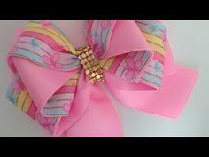 LAÇO FORMOSURA ( FITA ESTAMPADA) 🎀 - YouTube Ribbon Art, Ribbon Hair Bows, Diy Hair Bows, Diy Ribbon, Ribbon Crafts, Kanzashi Tutorial, Hair Bow Tutorial, Handmade Hair Bows, Bow Accessories