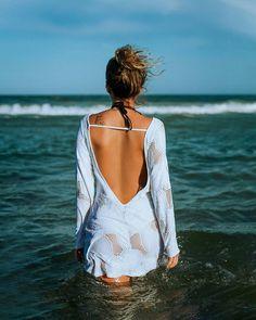 Ela é sereia, ama o mar... {Fotos de amor e liberdade! Amor pelo mar e por si mesma. Fotografia de um dia na praia com uma sereia maravilhosa. Por Laiz Alionço Fotografia No instagram: @laizfotografia} {Foto na praia em Florianópolis | Ensaio Fotográfico Na Praia | Book Feminino | Ensaio Feminino |Fotografa Florianópolis | Fotografa Floripa}