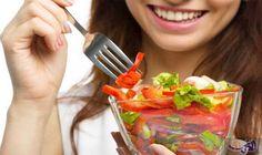 9 نصائح تساعدك على فقدان الوزن بسهولة: لا داعي لأن تقسي على نفسك في سبيل فقدان بضع الكيلوغرامات! للحفاظ على وزن صحي، استعيني ببعض من…