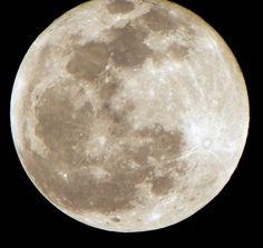 Moon shot with Kodak Z981. - Kodak EasyShare Z981 Sample Photo