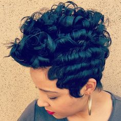STYLIST FEATURE| Gorgeous #pixiecut ✂️done by #BeaumontTX stylist @ChantelTheHairArtist❤️ Classic #VoiceOfHair ========================= Go to VoiceOfHair.com ========================= Find hairstyles and hair tips! =========================